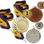 Спортивные награды в ассортименте фото