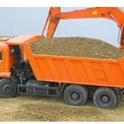 Доставка песка от производителя, речной песок высокого качества. фото