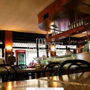 Деревянная мебель для баров, пабов, кафе и ресторанов фото