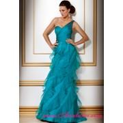В вечернем платье Jovani фото