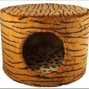 Меховой домик с когтеточкой фото