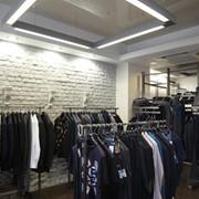 Мебель торговая для магазинов одежды фото
