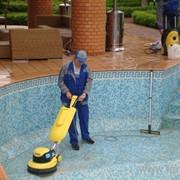 Чистка и обслуживание бассейнов фото