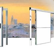 Холодильные двери раздвижные и распашные одно- и двустворчатые для холодильных камер фото