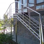 Изготовление лестниц для дома и улицы любой конфигурацыи с приминением высококачественных материалов быстро, качественно, недорого фото