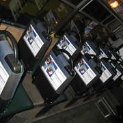 Размещение стикеров в салонах транспорта фото