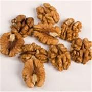 Орехи грецкие чищенные половинка (фракция ½) янтарь фото