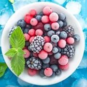 Замороженные ягоды, фрукты и овощи фото
