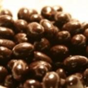 Арахис в шоколадной глазури фото